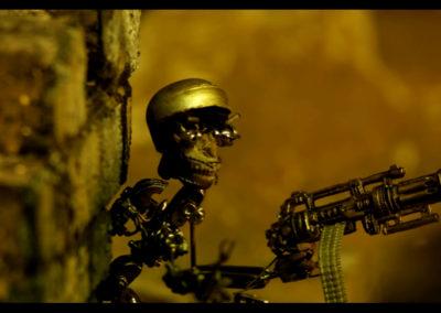 The brutal robots attack  Arturo Artal y Fermín Hernandez (2002)